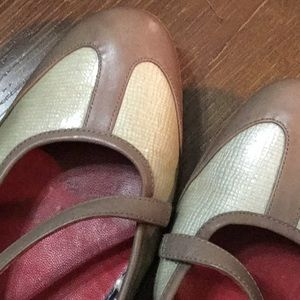 Cole Haan Nike PIP flats size 10